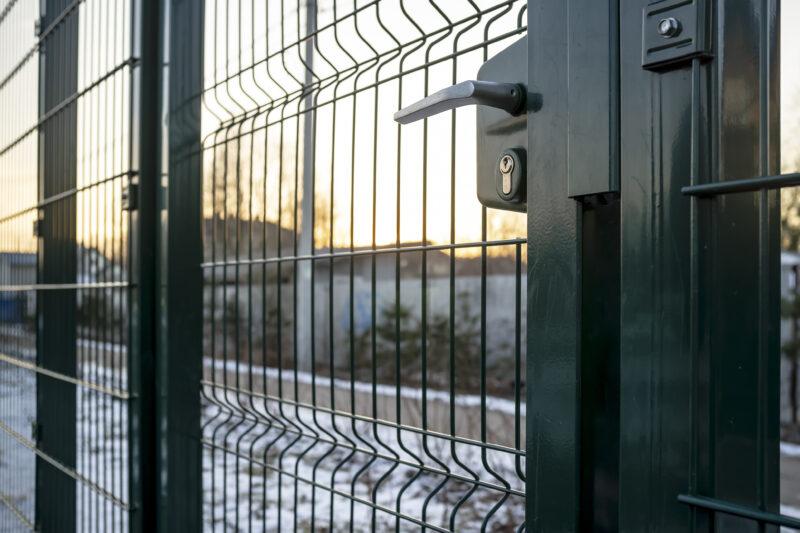 Zabezpieczenie ogrodzenia na zimę